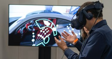 virtual reality video gaming as exercise tool/parkinsonsnewstoday.com/person playing VR game